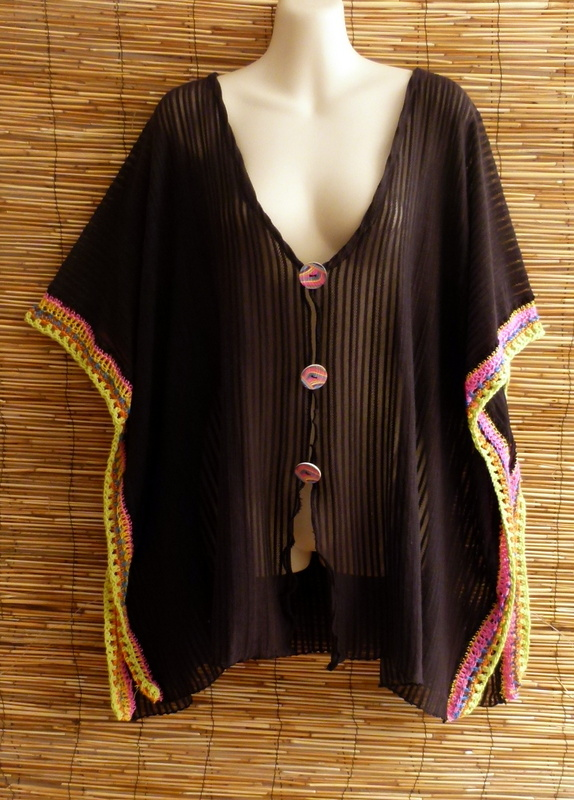 poncho-rainbow-ibiza-fashion